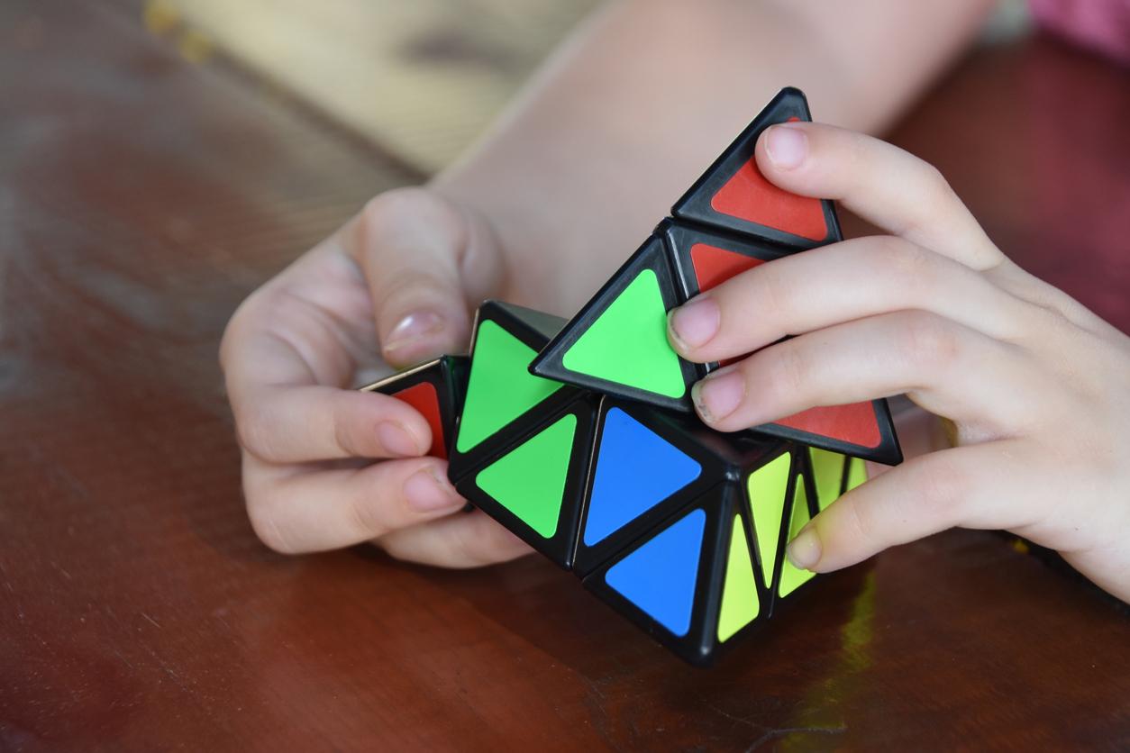Upp och nedvänd triangel